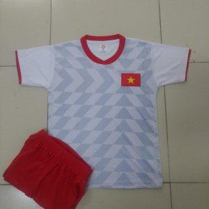 Trẻ em Việt Nam trắng