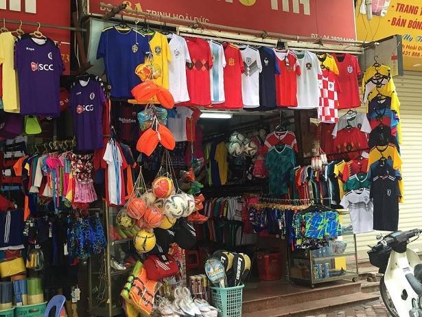 Cửa hàng quần áo bóng đá